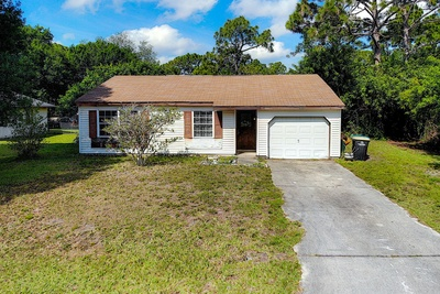 Exterior photo for 818 Charcoal Ave SE Palm Bay fl 32909