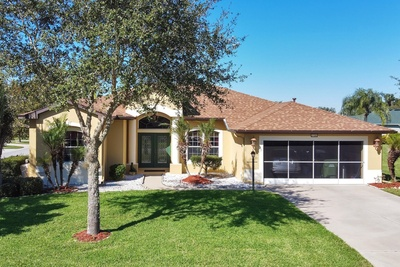 Exterior photo for 27303 Gingerbread Place Leesburg fl 34748