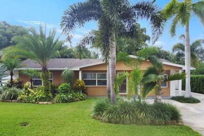 Exterior photo for 5396 53rd Street North St Petersburg fl 33709