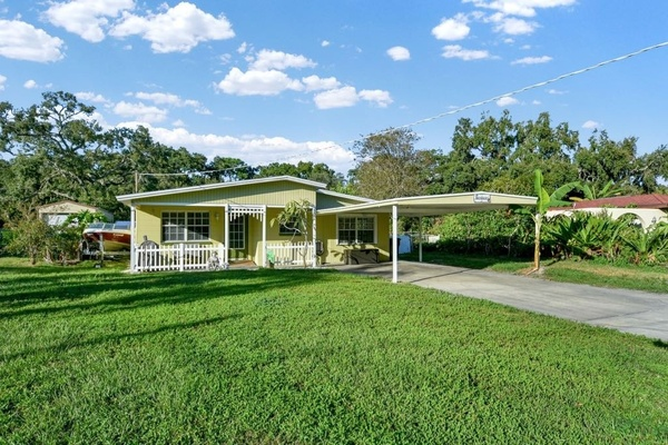 Exterior photo for 8817 Audrey Ln Tampa fl 33615