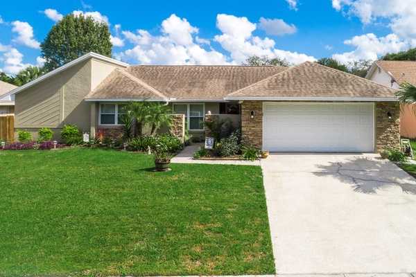 Exterior photo for 407 Barrywood Ln Casselberry fl 32707