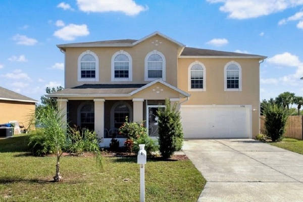 Exterior photo for 5740 Royal Hills Cir Winter Haven fl 33881