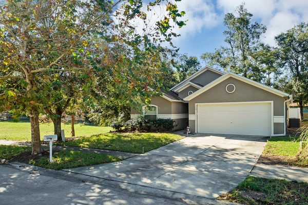 Exterior photo for 775 Blue Water Ave Orange City fl 32763
