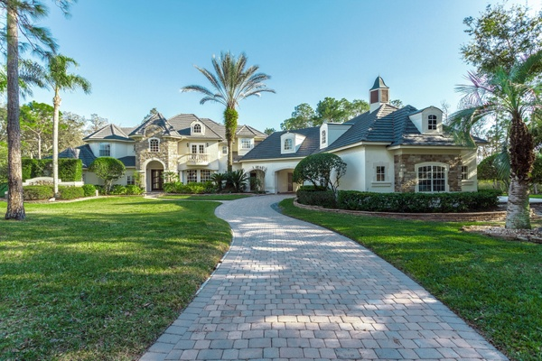 Exterior photo for 240 Snowfields Run Lake Mary fl 32746