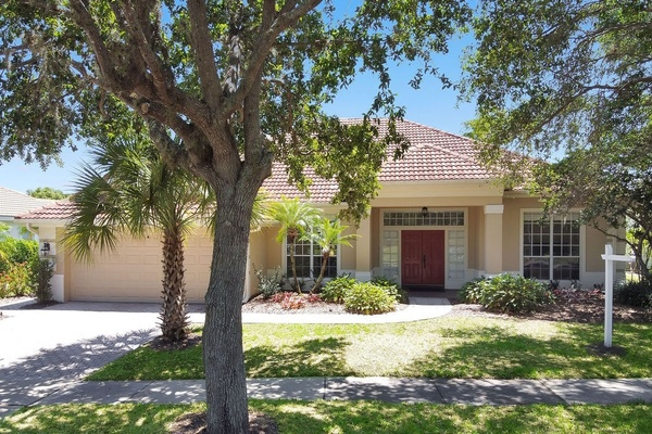 Exterior photo for 14649 Heathmore Orlando fl 32837