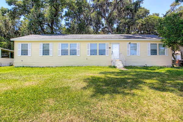Exterior photo for 3734 Pioneer Trails Drive Lakeland fl 33810