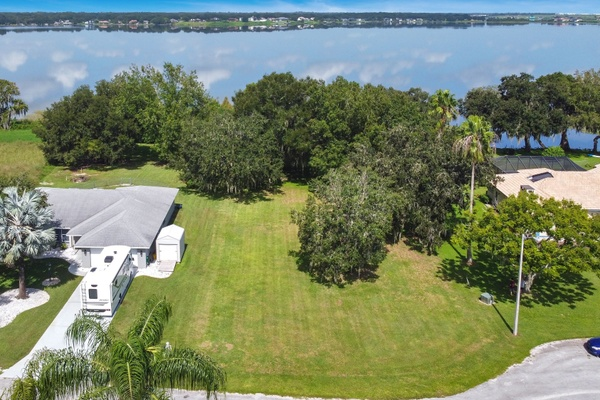 Exterior photo for 307 White Cliff Blvd Aburndale fl 33823