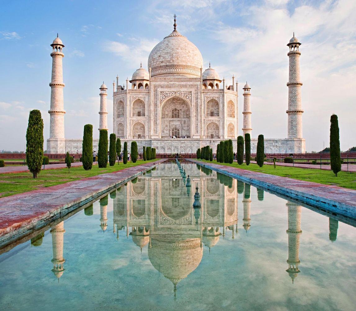 ONE WONDER OF WORLD IN INDIA - THE TAJMAHAL