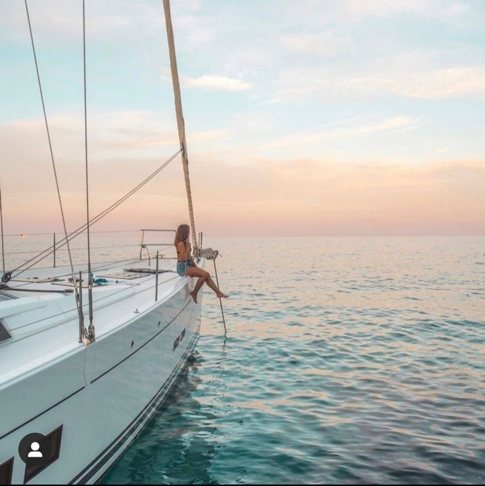 Vibe and Flow Sails the Greek Isles