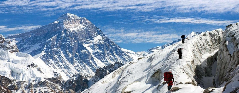 Everest Cho La Pass Trek - 19 Days - Himalayan Frozen Adventure