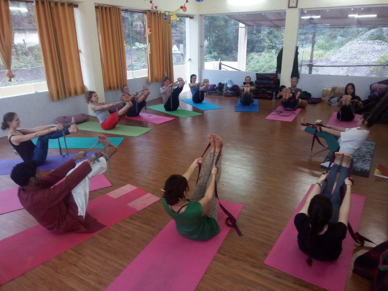 Yoga Teacher Training in Rishikesh | Sri Yoga Peeth-Yoga School India