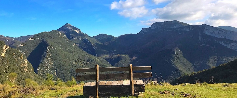 HIKING WEEKEND PYRENEES IN MOUNTAIN REFUGE
