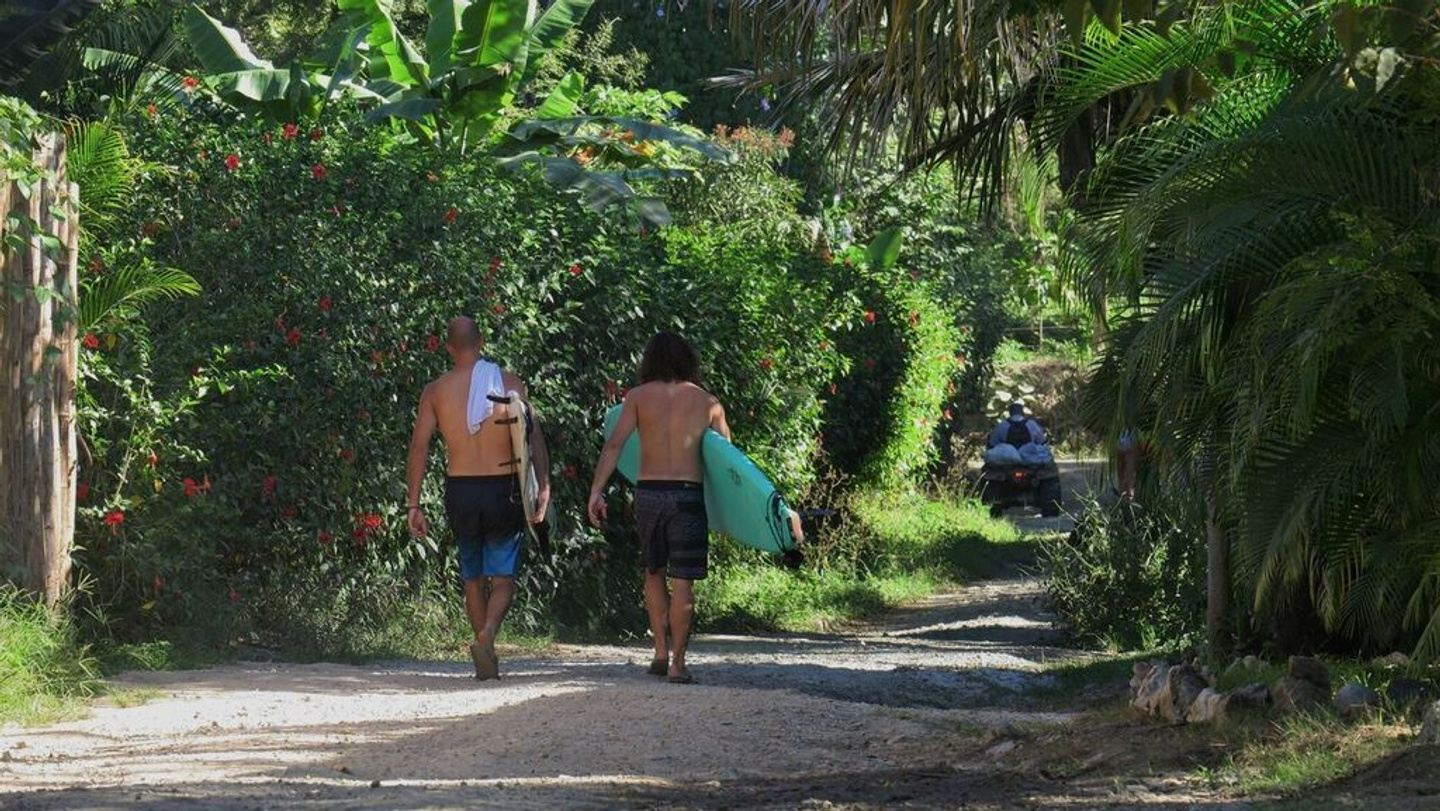 Learn Spanish and Surf in Costa Rica!