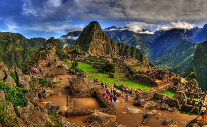 Discover Peru with experts (Machu Picchu, Lima, Lake Titicaca & more)