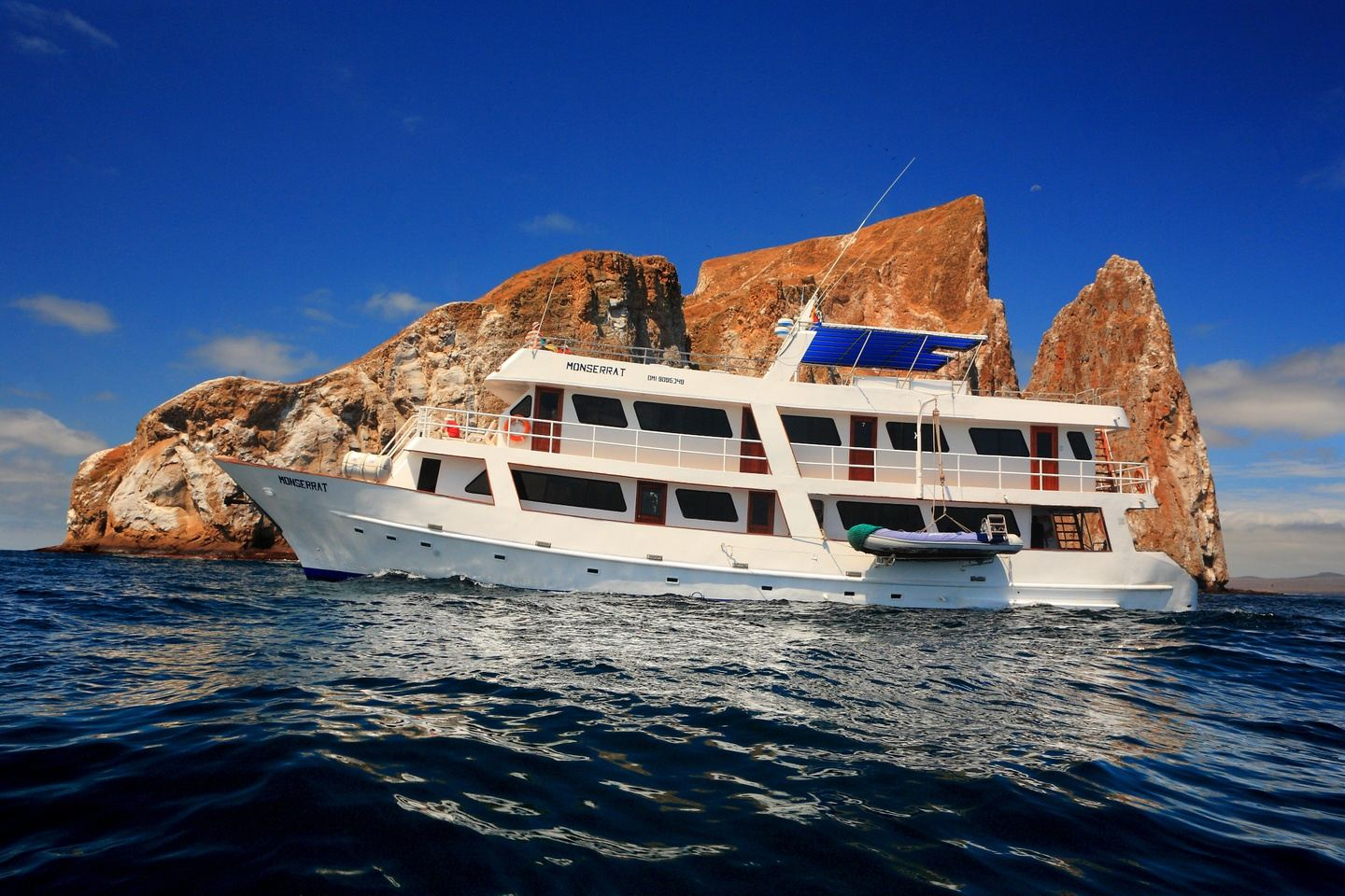 MONSERRAT: CRUISE + AIRLINE TICKET