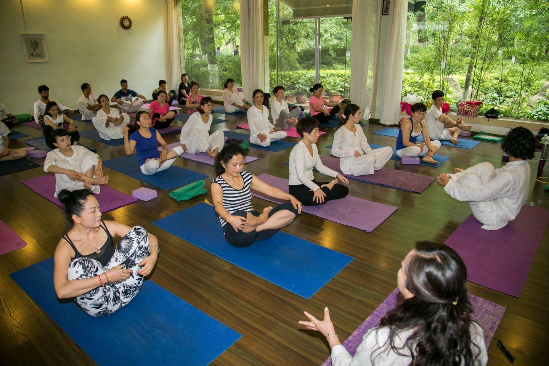 Pranayama Yoga Teacher Training In Rishikesh India