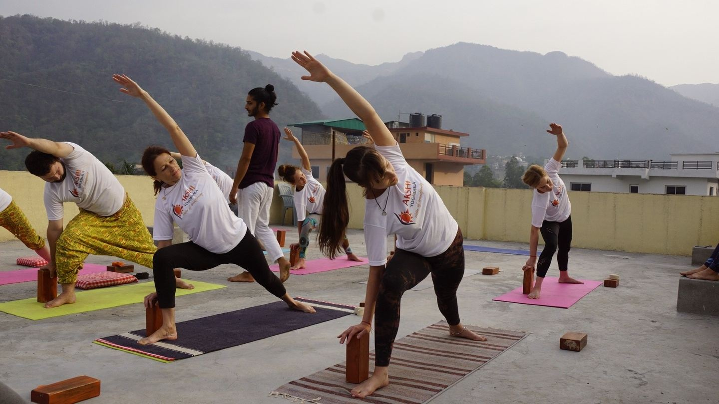 200 Hour 28 Days Yoga Teacher Training in Rishikesh