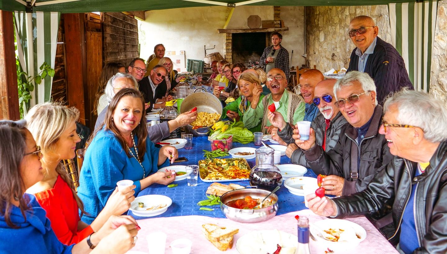 Gastronomic tour in Italy, sustainable tourism, ancient traditions