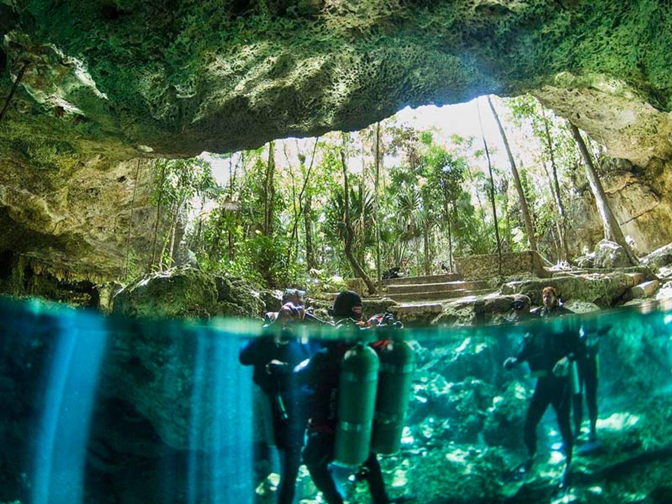 Buceo en Cenote (área central)