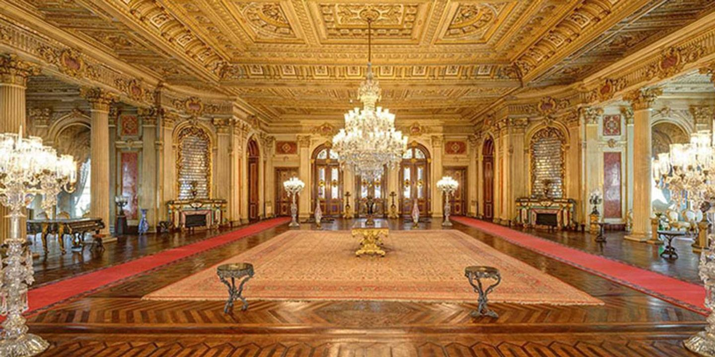Istanbul Bosphorous Cruise & Dolmabahce Palace With Two Continents