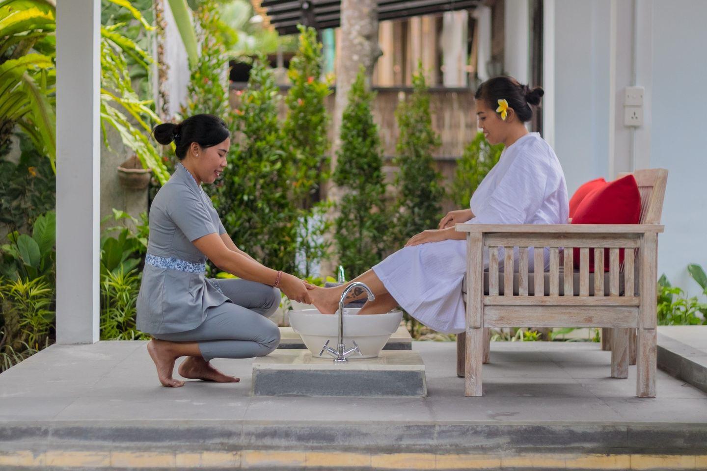 Weekend Yoga Retreat : Rejuvenating , Healing , Spiritual