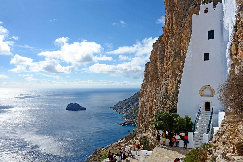 Yoga retreat in the Iyengar tradition in a stunning Greek Island
