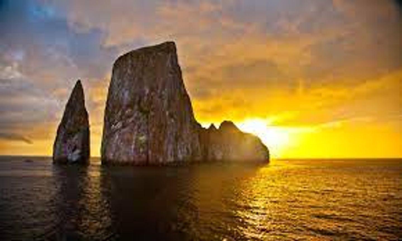 Isla Lobos & Kicker Rock Pax Holland x2