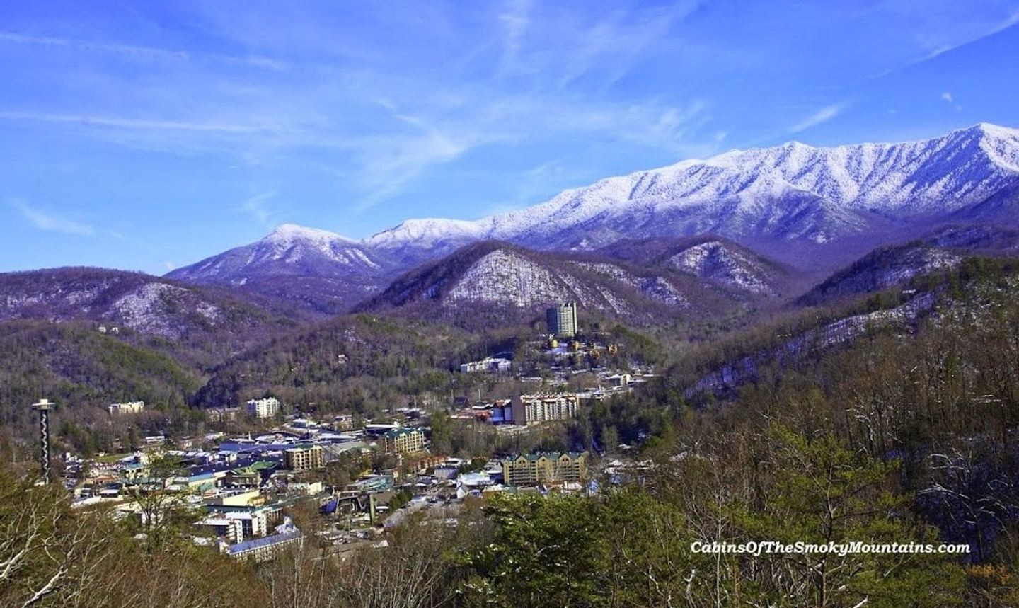 Holiday Shopping Pigeon Forge 12/5/20-12/6/20