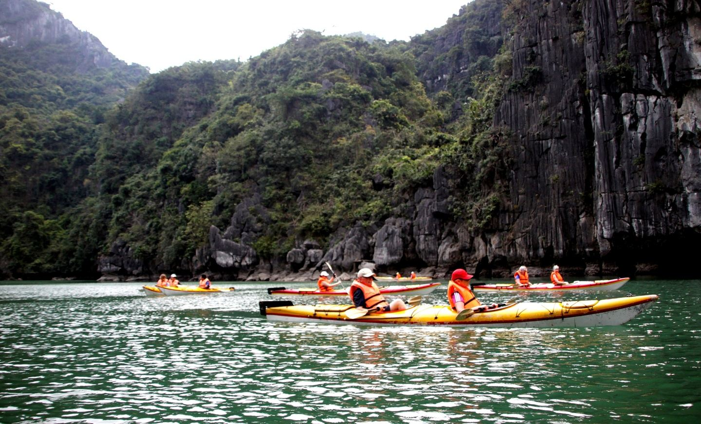 Red River Delta- Halong Bay by cruise & bicycle
