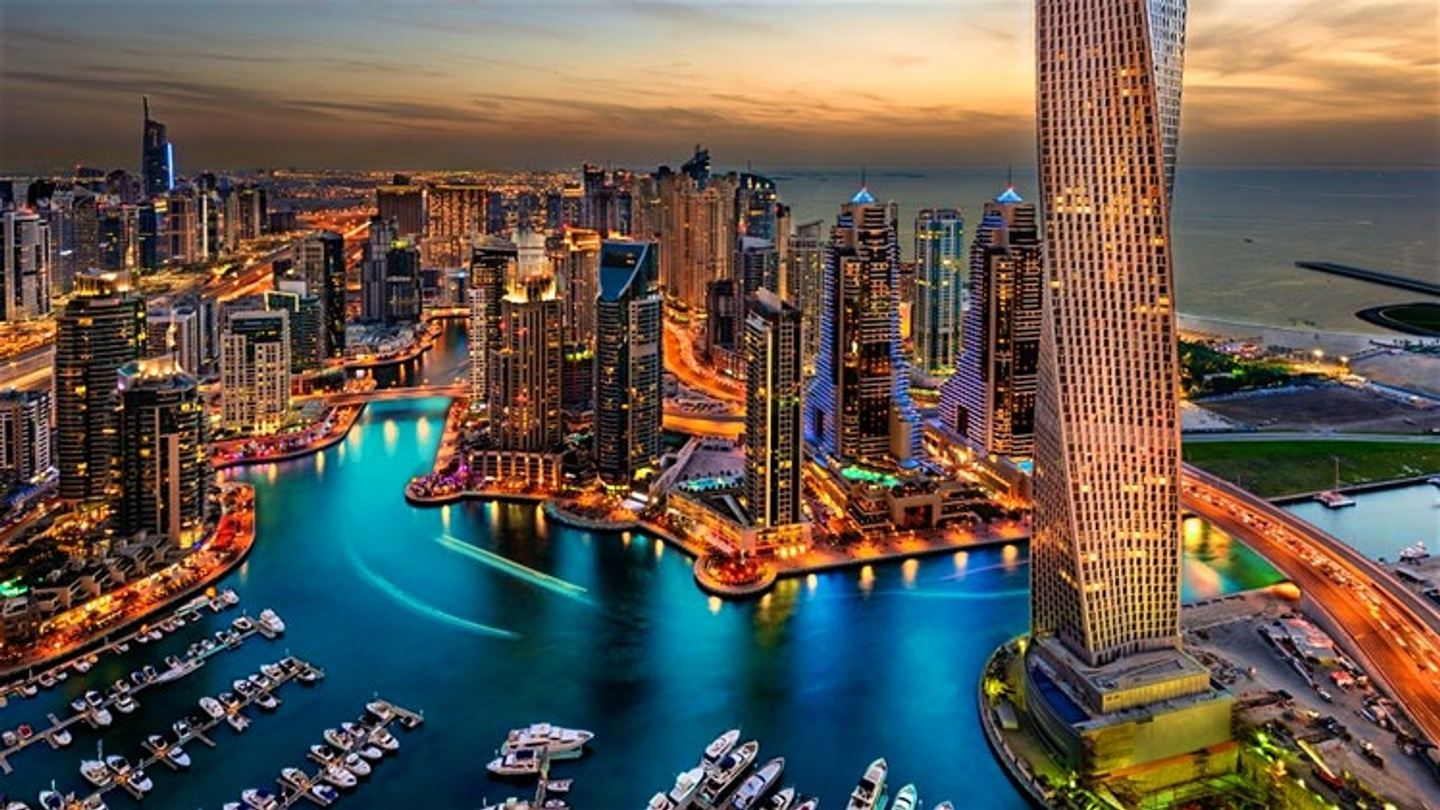Travel to DUBAI for New Year's Eve Dec 2018