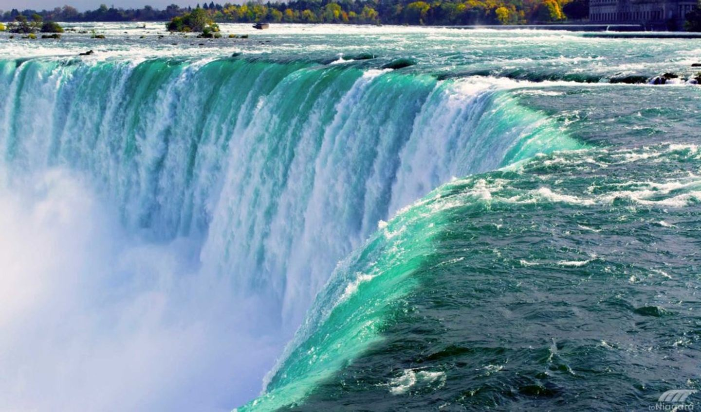 Fabulous Packages for Niagara Falls New Year's Eve 2018