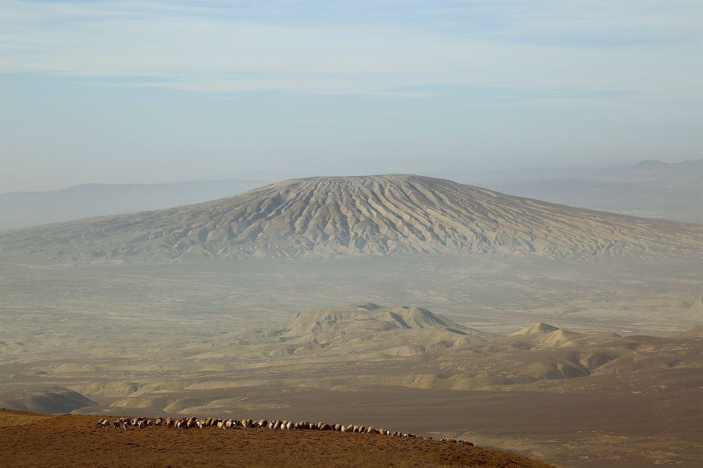 Hiking up the Kaniza mud volcano