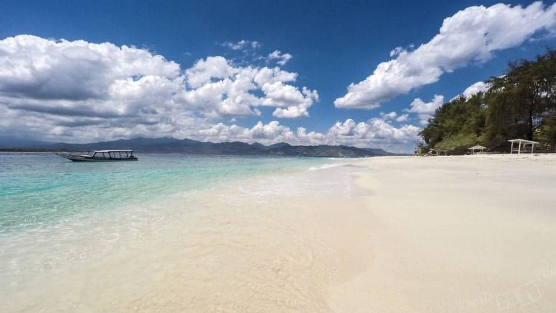 6 Days Yoga & Shiatsu Retreat in Paradise, Gili Meno.