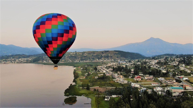 Hot-Air-Balloon Ride - Private Ride - 2 pax - Vuelo Libre Privado