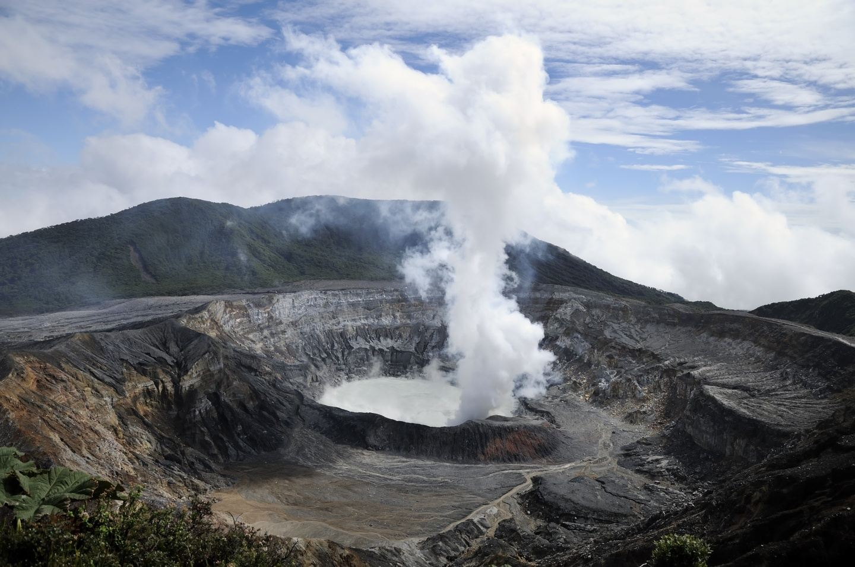 Tour al Volcán Poás para Nacionales!