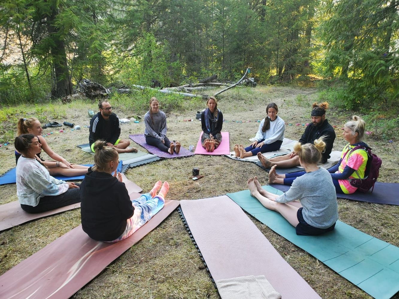 Natural Immersion Retreat Off-Grid In Christina Lake BC