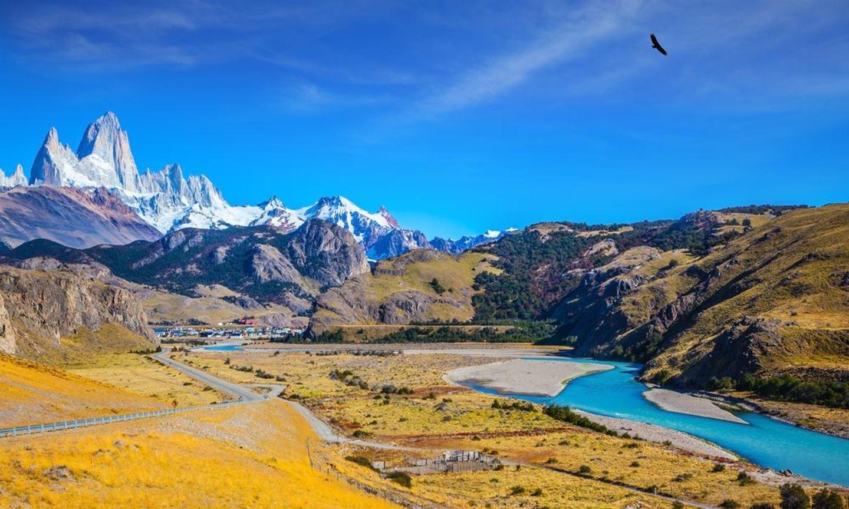 Patagonia Runcation: Trail Running El Chaltén Running Vacation Feb 21
