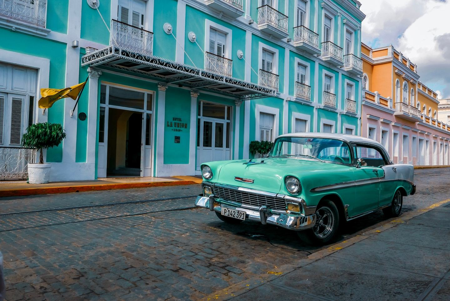 Cuba: Exploring the Island's Past, Present & Future December 2020
