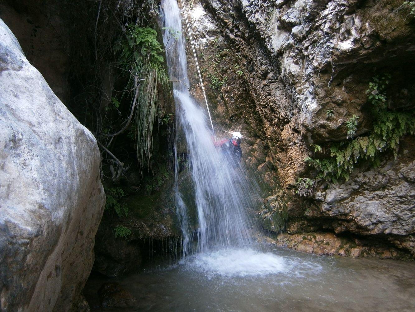 Vertical canyoning in Granada: Lentegí