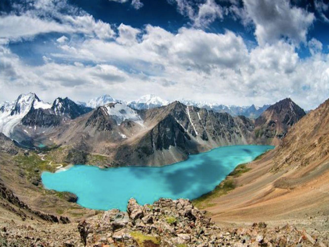 (Full) Kyrgyzstan - Natural Beauty & Nomadic Traditions