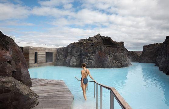 Luminous Iceland Retreat with Mik & Mel