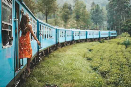 Move Forward - Scenic Train Ride Through Sri Lanka