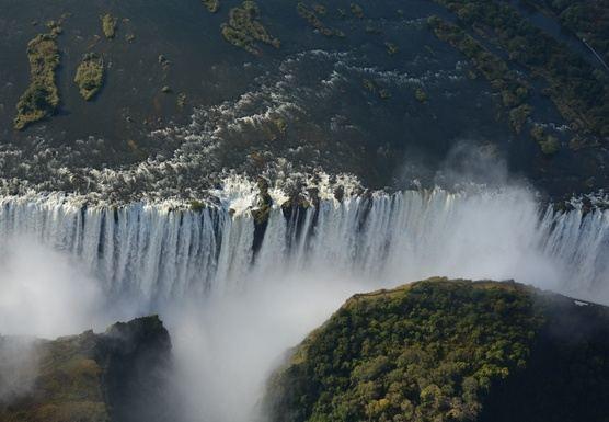Explore Africa (Victoria Falls to Matopos Hills)