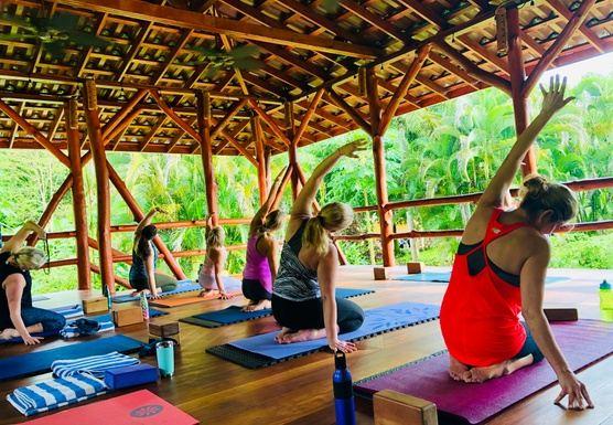 Vibe & Thrive Panama Retreat with Kayla and Nicole