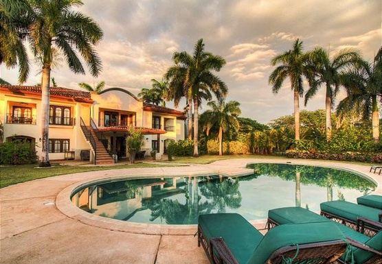 Costa Rica, Pura Vida Yoga Retreat 2020 with Kellie & Karen