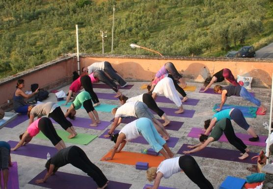 Do Yoga! Enjoy Italy!
