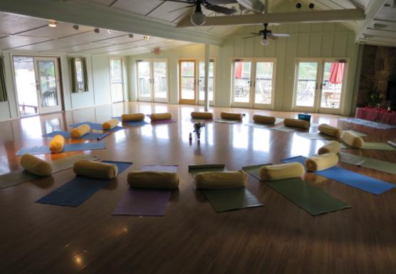 Savoring Presence: Mindfulness Skills for Attuned Eating