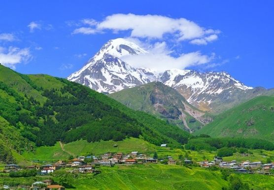 LUXURY YOGA AND MIND DETOX RETREAT IN KAZBEGI