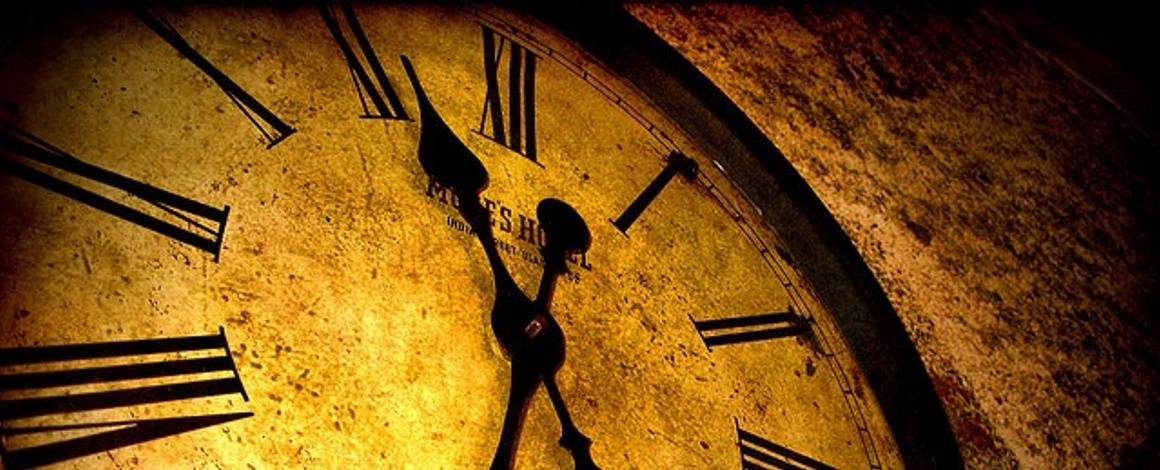 Three Ways To Make The Most Of That Extra Hour And Advance Your Career