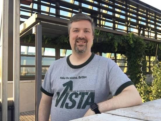 Mark-VISTA-shirt-1-1-833x625.jpg